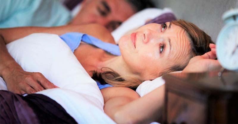 情侶疫情期間宅在家愛愛 本該性福滿滿對她卻像酷刑 (1)