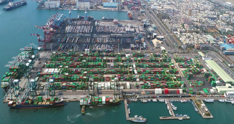▲台灣港務公司啟動貨櫃碼頭最適配置,萬海航運公司將進駐高雄港第五貨櫃中心,以因應未來發展。(圖/台灣港務公司提供)