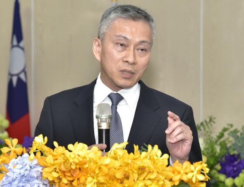 <br> ▲台灣港務公司總經理陳劭良表示,為因應高雄港貨櫃碼頭未來發展,該公司採最適區位配置,以強化高雄港貨櫃樞紐的競爭力。(圖/記者黃守作攝)