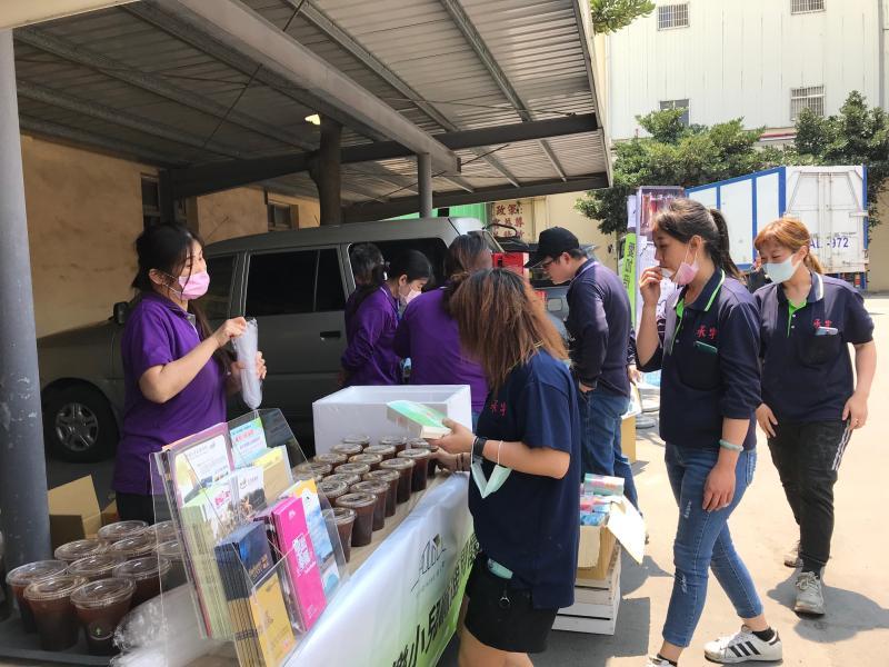 Still咖啡行動車免費咖啡品嚐 分享庇護工場努力成果