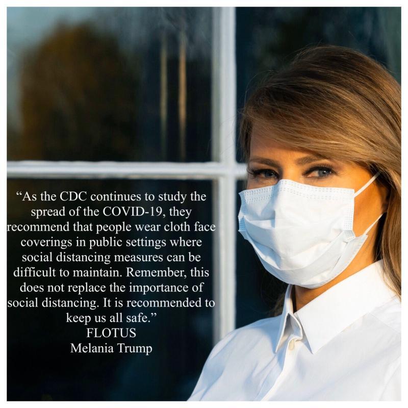 ▲美國總統川普的妻子梅蘭妮亞, 9 日在官方推特上 po 出自己戴口罩的照片,鼓勵大家配合防疫。(圖/翻攝自梅蘭妮亞川普推特)