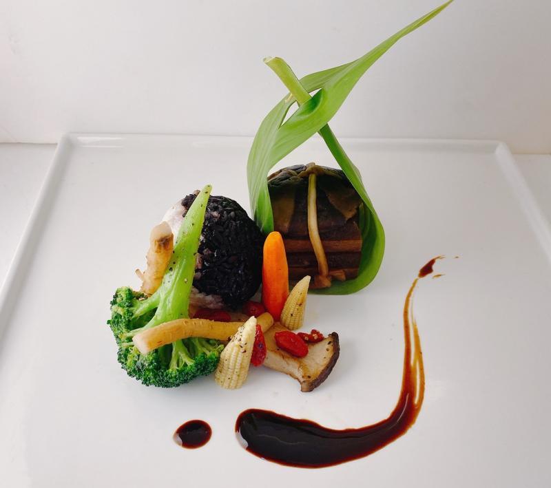 <br> ▲主餐-黨蔘東坡肉。(圖/記者蘇榮泉攝)