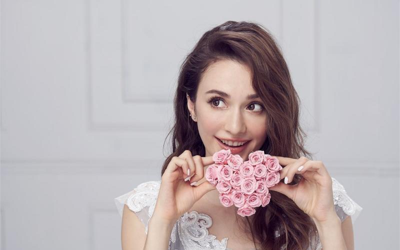 ▲藝人瑞莎原為烏克蘭籍,去年取得中華民國身分證。(圖/翻攝瑞莎臉書)