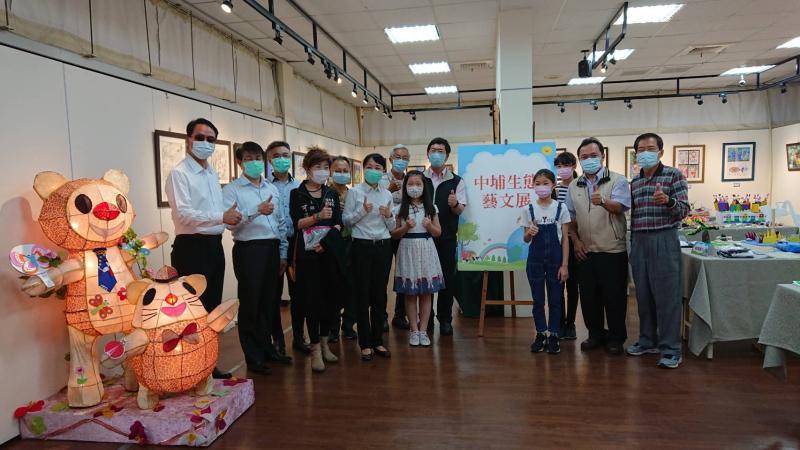 中埔學生展創意 自然素材化身趣味作品