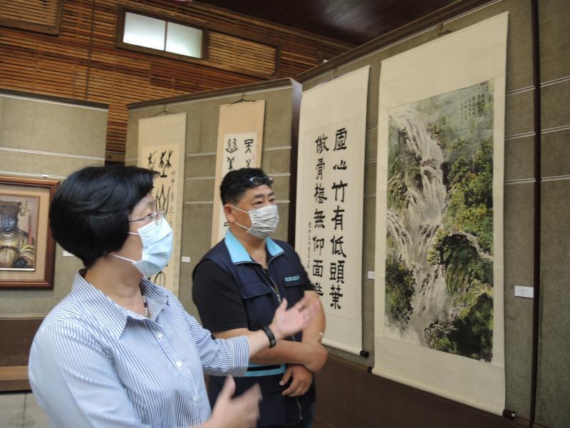 <br> ▲王惠美說,「生活就是藝術,藝術就是生活」,這次展出的作品非常精彩。(圖/記者陳雅芳攝,2020.04.11)