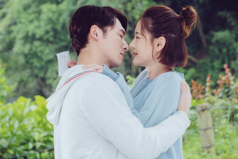 溫昇豪(左)與安心亞(右)甜蜜約會 (2)
