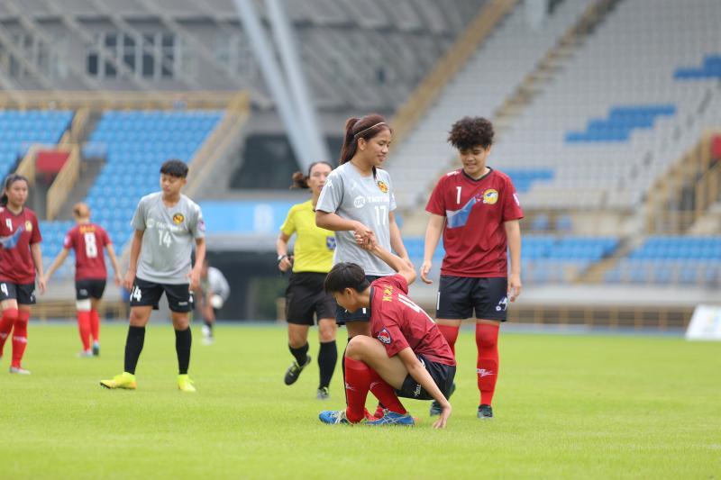 ▲2020木蘭足球聯賽11日在台北田徑場開踢,桃園國際丁旗。(圖/中華足協提供)