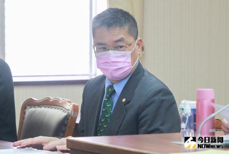 潑「<b>保護傘</b>」餐廳穢物嫌犯遭逮 徐國勇:不容許不法行為