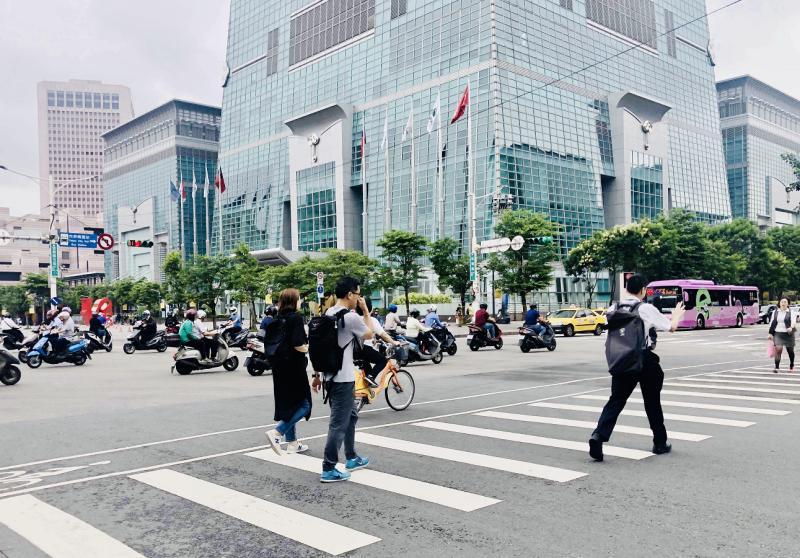 NOWNEWS0417_台北市商辦尚未明顯受疫情影響,再加上都更熱潮,空置率低檔盤旋。