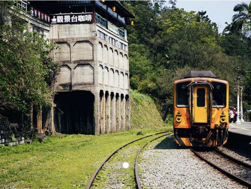 平溪桐花火車(圖|翻攝自新北市政府旅遊網)
