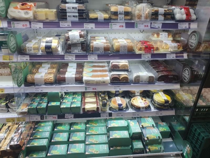▲全聯超市的甜點冰櫃。(圖/翻攝自 PTT )