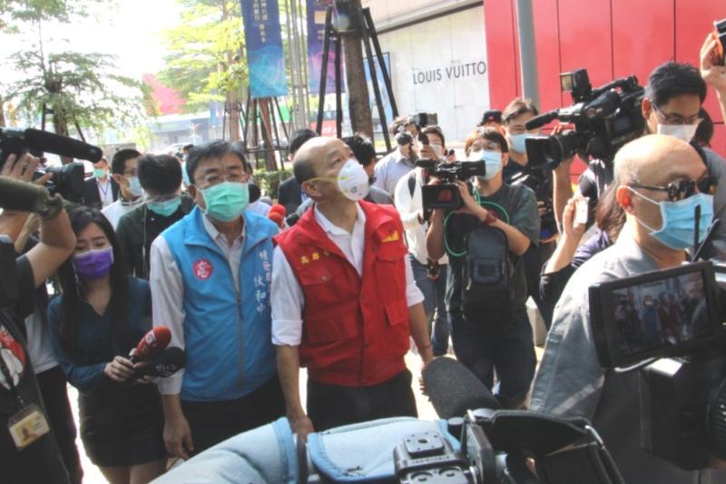 視察確診個案重要活動地 韓國瑜:全面消毒嚴防疫情擴散