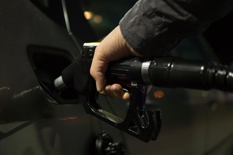 「負油價≠買油可收錢」太難懂?<b>神人</b>揭內幕:真的太荒謬