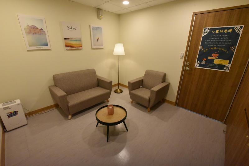 秀傳醫院新化療室寬敞明亮