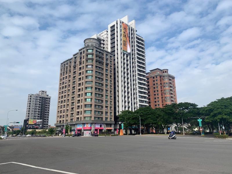 NOWNEWS0422_高雄楠梓區高雄大學一帶,新成屋2房的行情,約落在單價15至17萬。