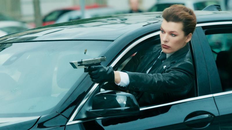 <b>蜜拉喬娃維琪</b>「聯手張榕容」拍動作片 超強身手好吸睛