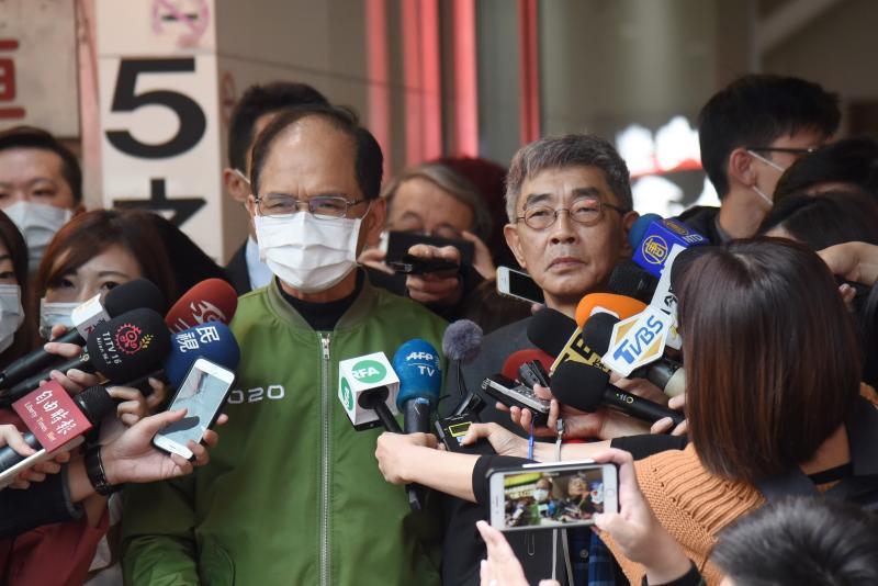 游錫堃親賀銅鑼灣書店開幕 林榮基:台灣是港人最後堡壘