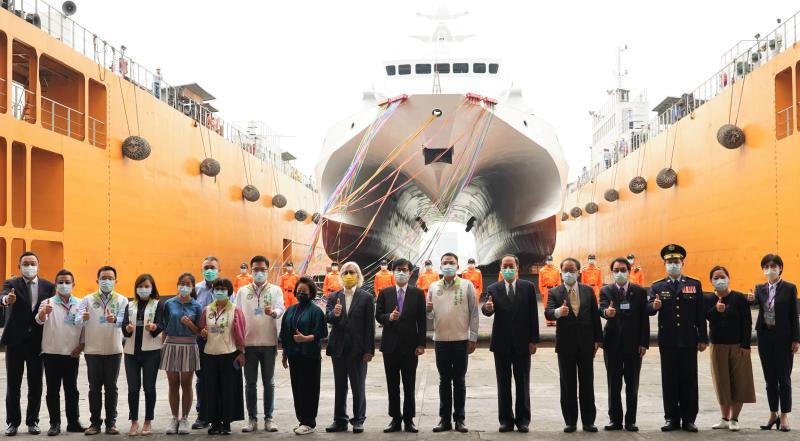 ▲海洋委員會舉行首艘600噸級安平號巡防艦下水、第3艘600噸級巡防艦開工,及第3艘35噸級巡防艇交船聯合儀式。(圖/記者黃守作攝,2020.04.27)