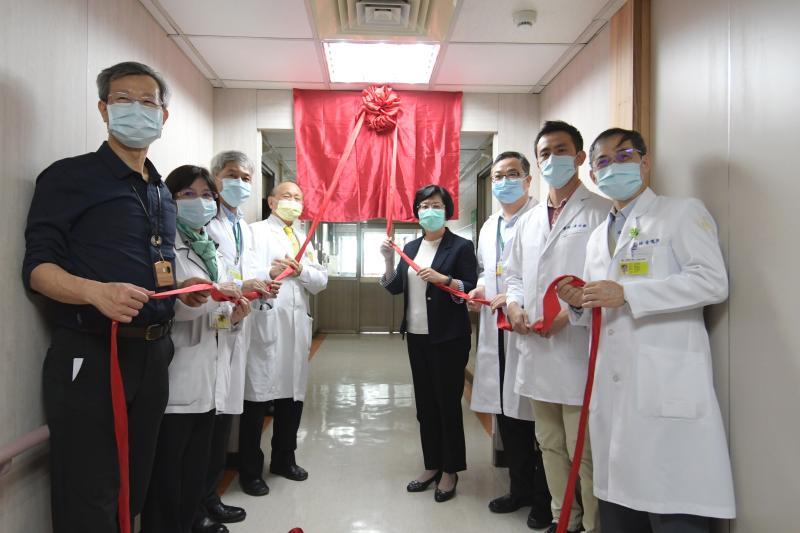 影/擴大檢驗量能 秀傳醫院新冠肺炎指定檢驗實驗室啟用