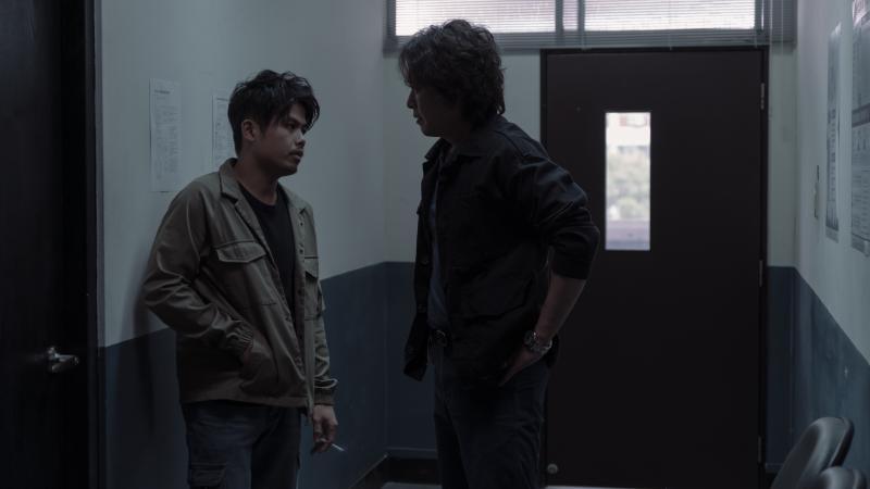 <br> ▲張再興(左)坦言在拍攝《誰是被害者》都會怕王識賢。(圖 / Netflix提供)