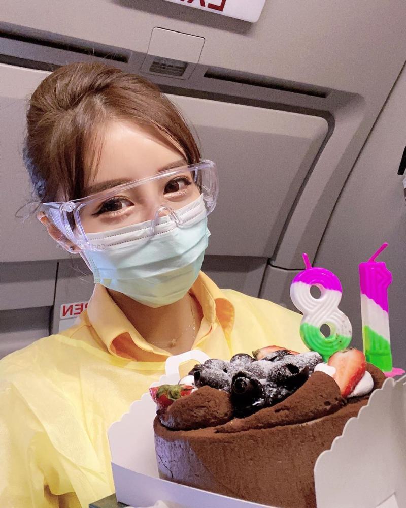 <br> ▲台灣虎航空姐Rita被日媒封為「千年一遇的美女」。(圖/ Rita IG)