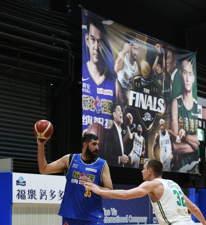 ▲第17季SBL總冠軍賽,裕隆洋將布拉。(圖/中華籃協提供)