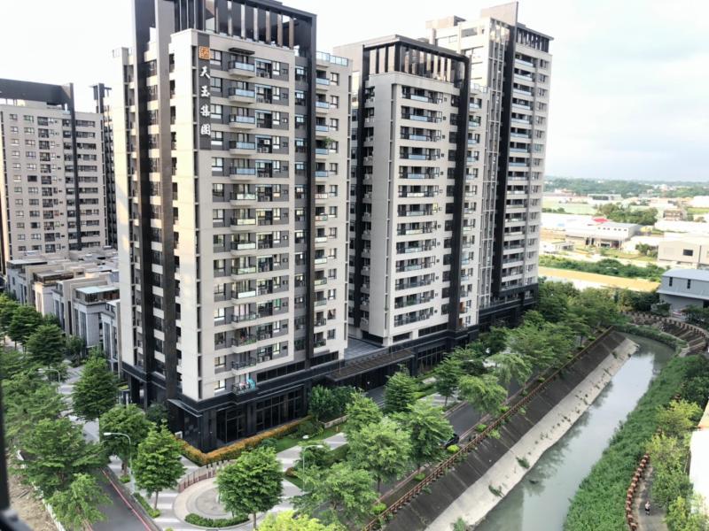 NOWNEWS0504_高雄鳳山華鳳特區不僅房市交易現況熱,未來發展潛力也受看好。