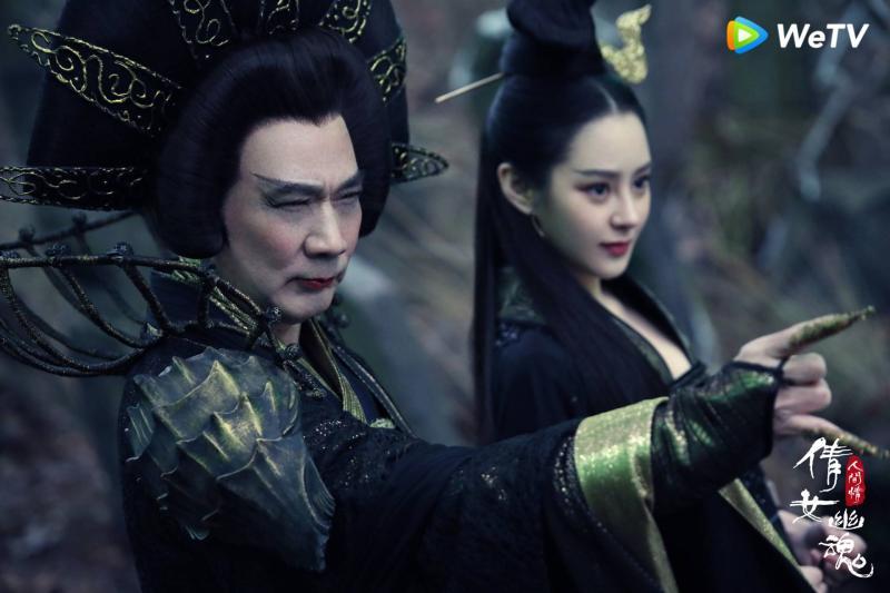 ▲港星徐少強(左)在片中飾演姥姥。(圖/WeTV提供)