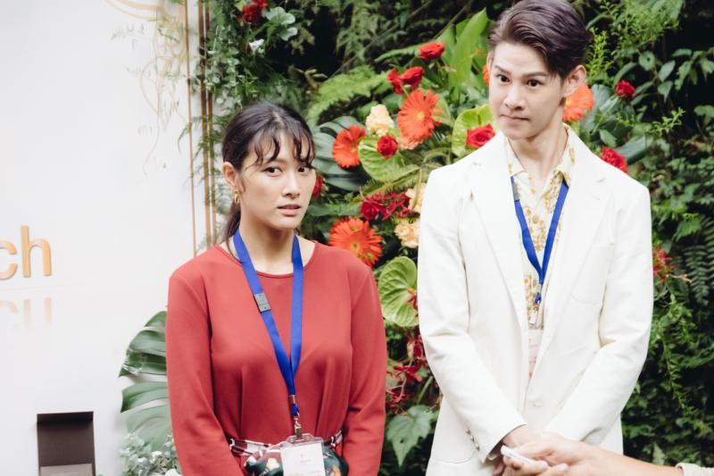 <br> ▲夏和熙(右)在《墜愛》中飾演安心亞的助理。(圖 / 歐銻銻娛樂提供)