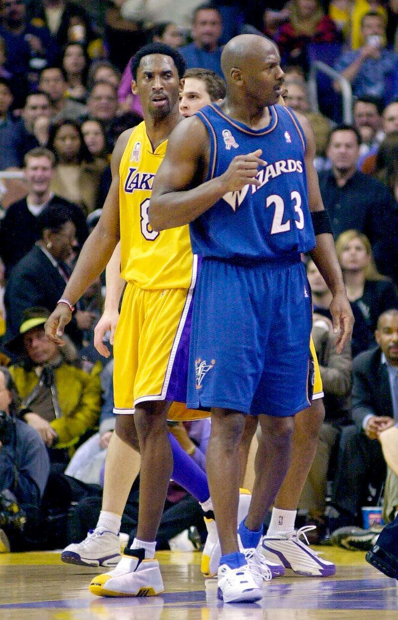 NBA/逝世前鮮少人知 魔術強森透露喬丹和科比私下交情