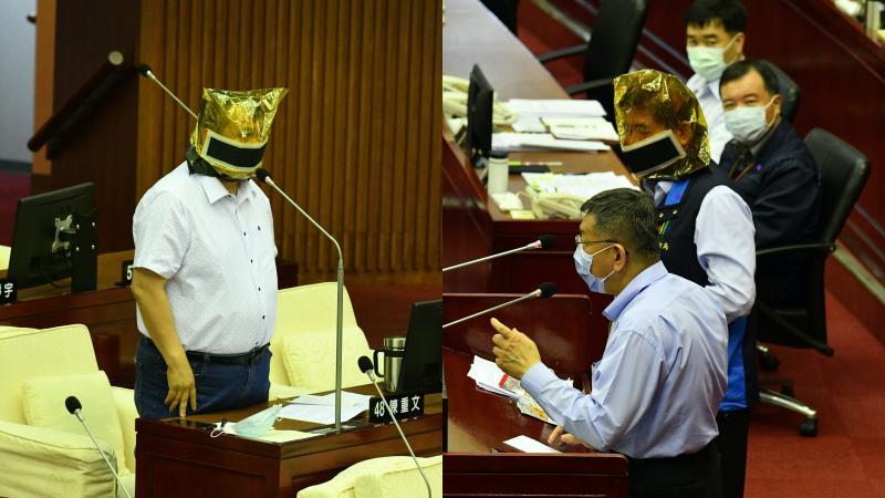 影/每間KTV包廂都要放?議員要柯文哲示範戴防煙面罩