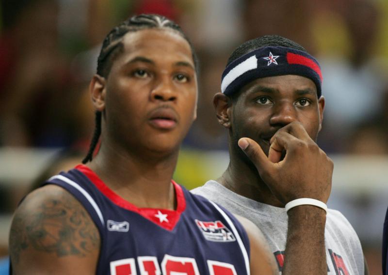 2004年雅典奧運時期的Carmelo Anthony(左)與LeBron James。(圖/美聯社/達志影像)