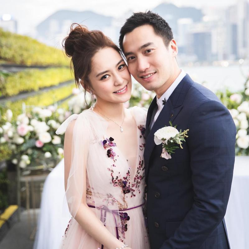 ▲香港藝人阿嬌(左)與賴弘國於2018年結婚。(圖/賴弘國IG)