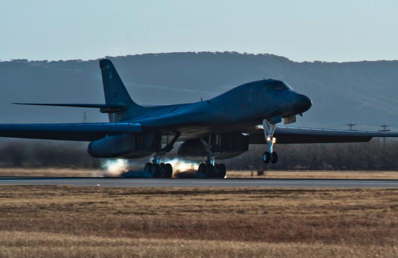 美軍B-1B轟炸機