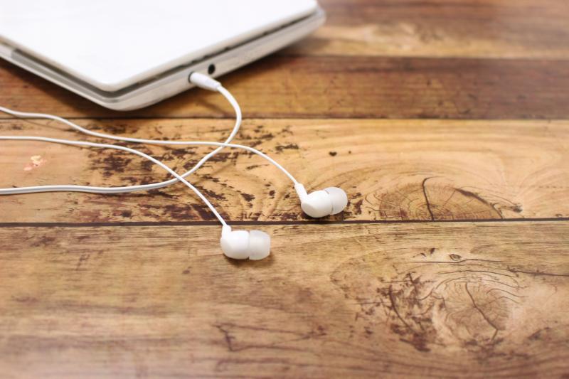 ▲抗噪耳機可以當耳塞用嗎?原理曝光分 2 方面。(示意圖/取自photoAC)