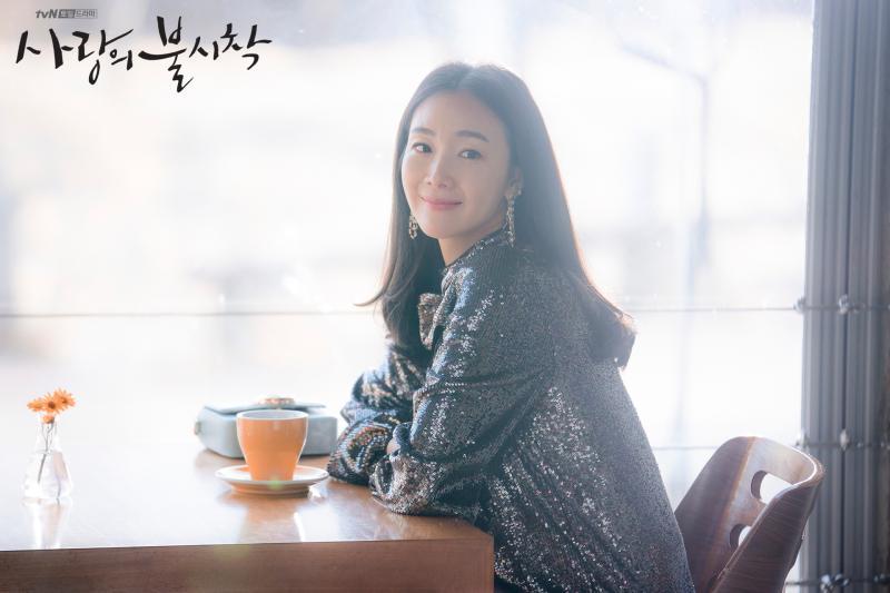 ▲▼崔智友2月曾挺孕肚客串《愛的迫降》。(圖/tvN)