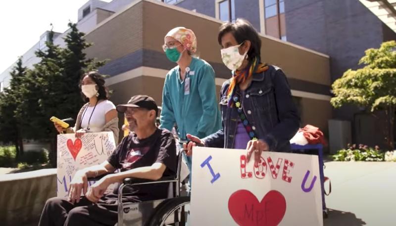 ▲西雅圖七十歲爺爺一度染新冠肺炎瀕死,卻奇蹟般康復出院。(圖/翻攝自 Youtube )