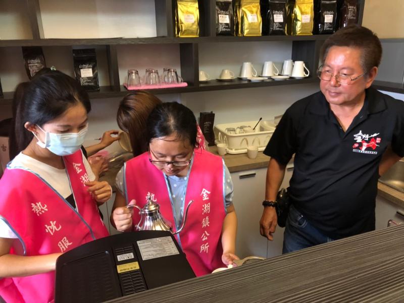 陳景蘭「咖啡館」今天開賣