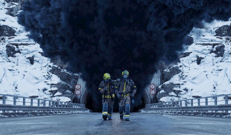 影/<b>油罐車</b>在「隧道」爆炸 瞬間成煉獄全紀錄