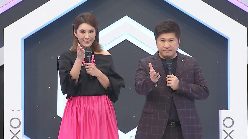▲胡瓜和女兒小禎首次合體主持節目。(圖/中天提供)