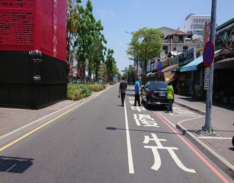 5月11日開始,海安路一段進行埋管工程,請用路人提前繞道