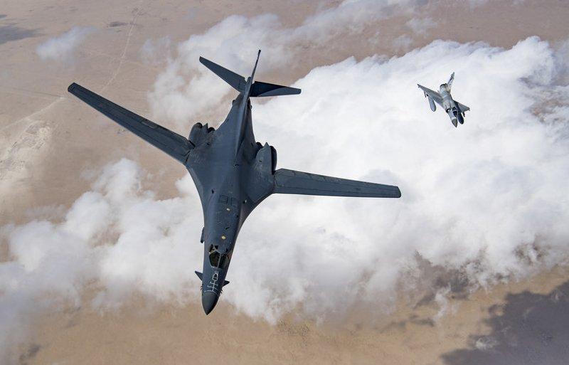 美軍2架B-1B轟炸機傳繞行日本 巡弋東海監測中朝動態