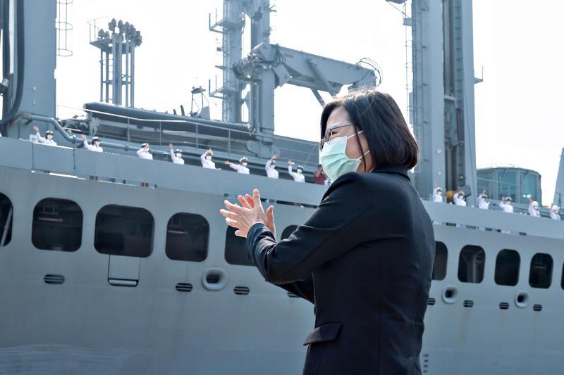 ▲蔡英文總統4月主持海軍敦睦遠航訓練支隊返國歡迎儀式。(圖