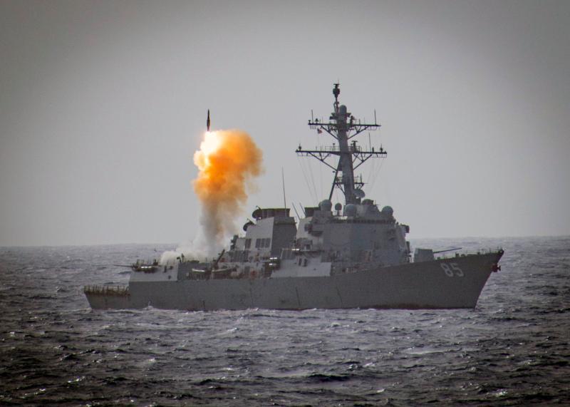 ▲麥克坎貝爾號艦上MK41飛彈垂直發射器,發射標準二型防空飛彈。(圖/美國海軍)