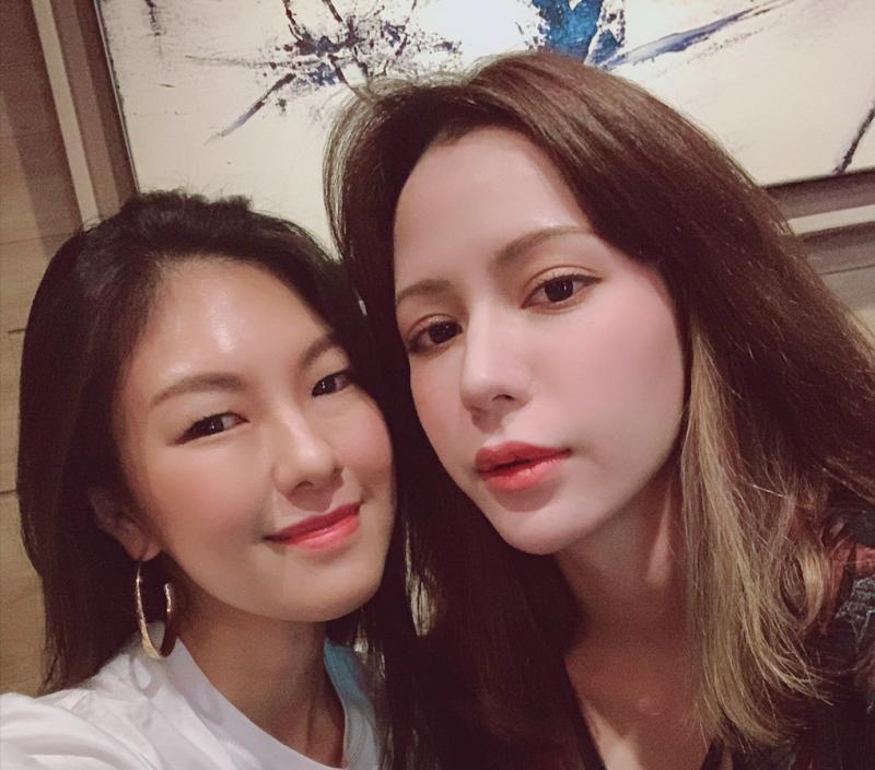 ▲嫚凌(左)與Keanna因為合作歌曲,成為好友。(圖/星火映畫提供)