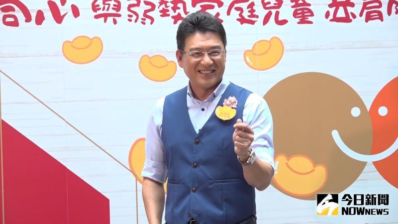 <b>謝震武</b>認購百盒水餃做公益 自嘲動手包元寶變「碎銀子」