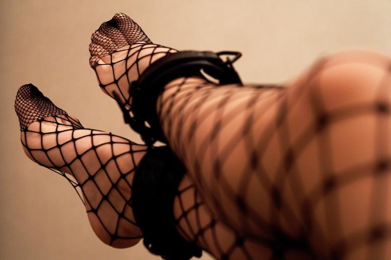▲女子傳性感網襪照給男子,男子一句話神回覆讓網友都笑翻。(示意圖/翻攝自 Unsplash)