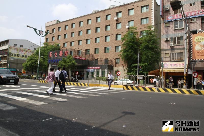 ▲員林市的Z字型行人二段式穿越道,是國內首度試辦。(圖/記者陳雅芳攝,2020.05.16)