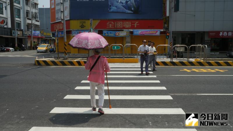 台灣駕駛很少禮讓行人?用路人曝「無奈心聲」:真的想讓