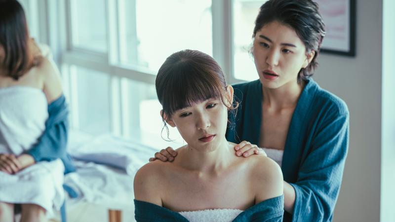 ▲陳璇(右)在劇中飾演孫可芳閨密。(圖